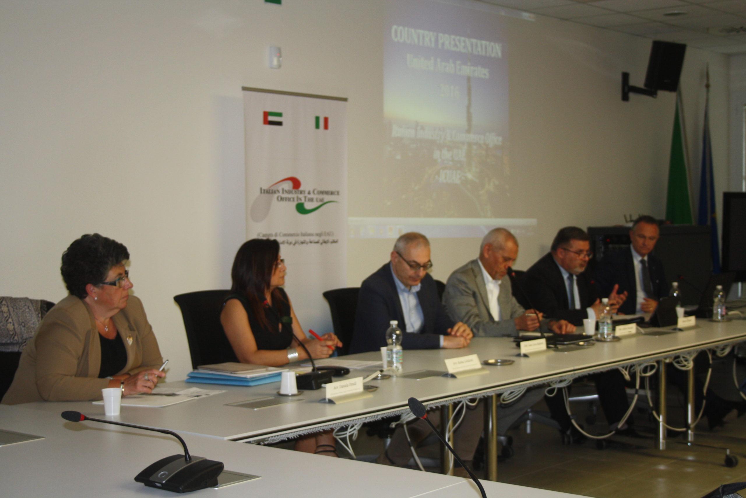 da sinistra Daniela Dondi, Katia Goldoni, Gianluca Baldoni, Alberto Nicolini, Alberto Silvestri, Mauro Marzocchi